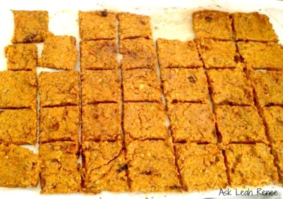 carrot-flax-crackers